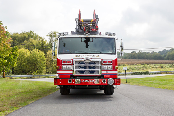 new 105' aerial ladder fire truck - 2016 Pierce Velocity PUC - front