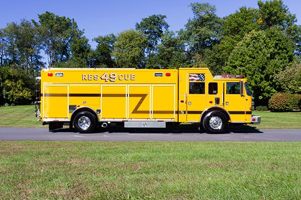 new rescue fire truck - non-walk-in fire rescue - 2016 Pierce Arrow XT - passenger side