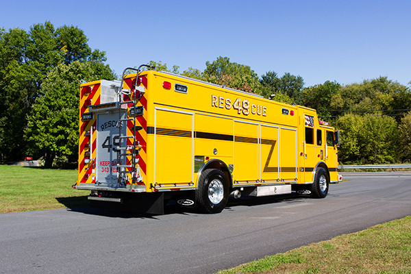 new rescue fire truck - non-walk-in fire rescue - 2016 Pierce Arrow XT - passenger rear