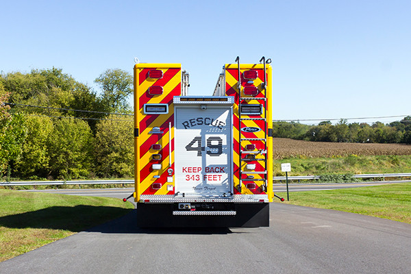new rescue fire truck - non-walk-in fire rescue - 2016 Pierce Arrow XT - rear