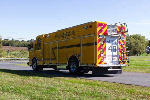 new rescue fire truck - non-walk-in fire rescue - 2016 Pierce Arrow XT - driver rear
