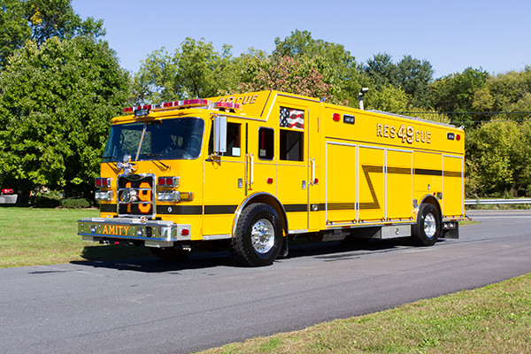 new rescue fire truck - non-walk-in fire rescue - 2016 Pierce Arrow XT - driver front