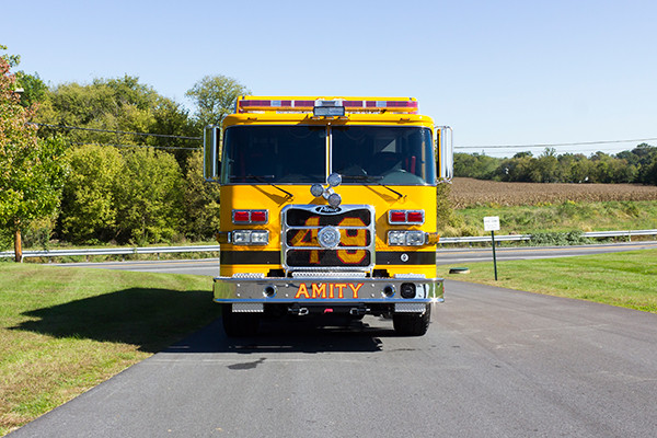 new rescue fire truck - non-walk-in fire rescue - 2016 Pierce Arrow XT - front