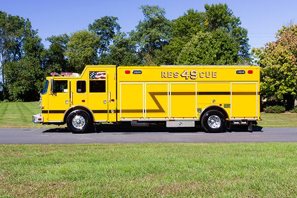new rescue fire truck - non-walk-in fire rescue - 2016 Pierce Arrow XT - driver side
