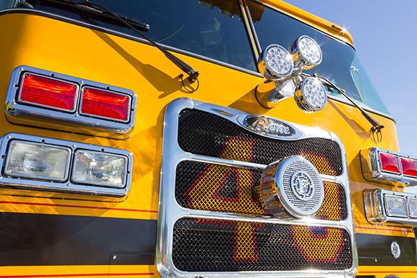 new rescue fire truck - non-walk-in fire rescue - 2016 Pierce Arrow XT - front grill