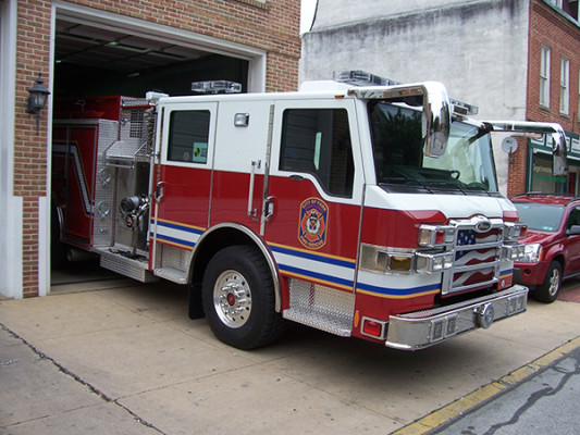 fire engine - Pierce Velocity pumper - passenger cab