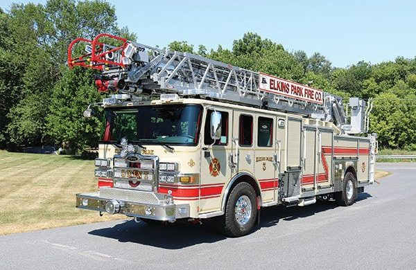107' ASCENDANT® SINGLE AXLE AERIAL LADDER