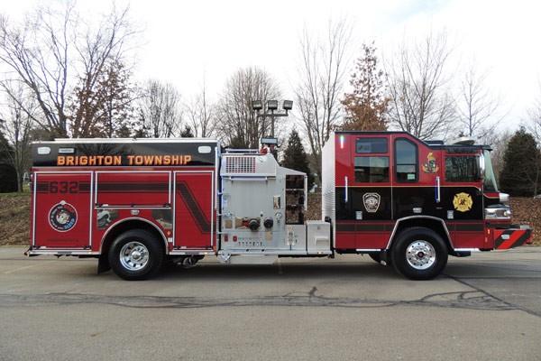 2017 Pierce Quantum pumper - fire engine sales and service - passenger side