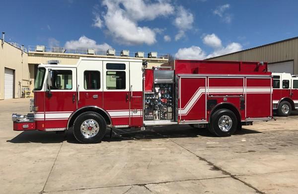 driver side - Pierce Enforcer demo fire engine