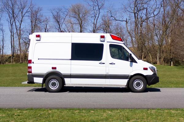2017 Demers Mirage LT2E type II ambulance - passenger side