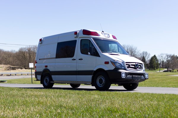 2017 Demers Mirage LT2E type II ambulance - passenger front
