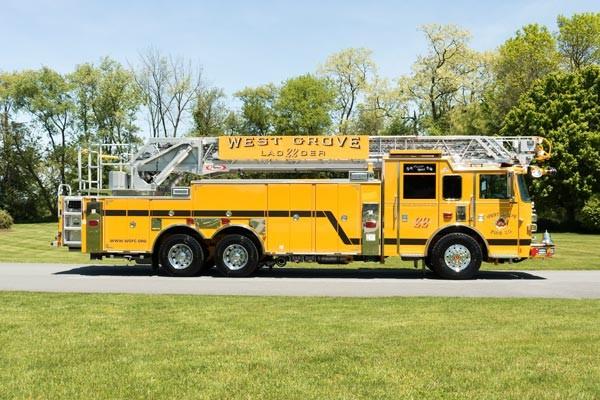 2017 Pierce Arrow XT - new fire truck sales in PA - passenger side