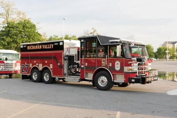 new rescue pumper in PA - 2017 Pierce Arrow XT fire rescue engine - passenger front
