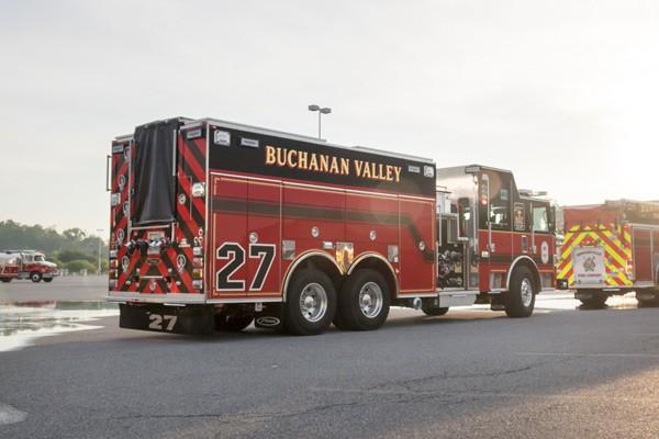 new rescue pumper in PA - 2017 Pierce Arrow XT fire rescue engine - passenger rear