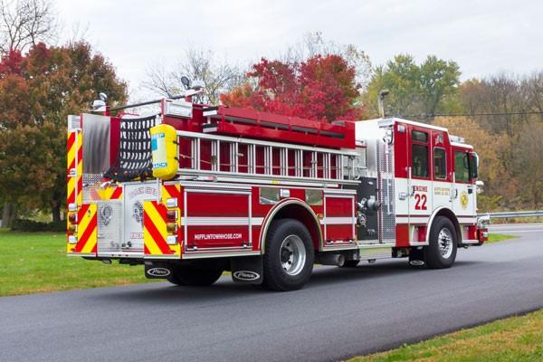 2014 Pierce Enforcer pumper - passenger rear