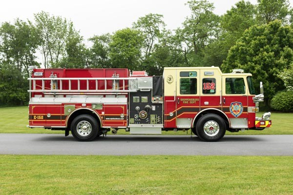new fire engine sales in PA - 2017 Pierce enforcer pumper - passenger side