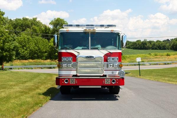 front view of Pierce Arrow XT pumper