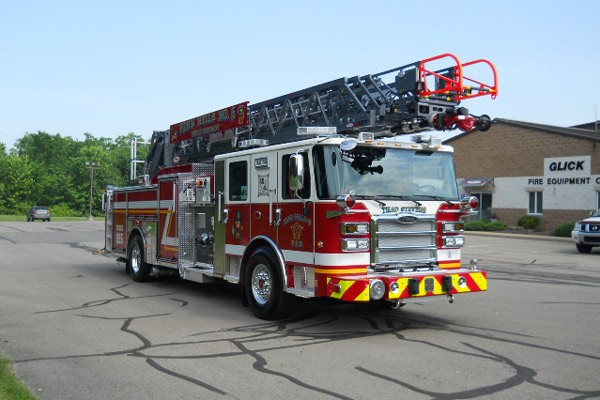 passenger front view 2017 Pierce Enforcer Ascendant quint ladder truck