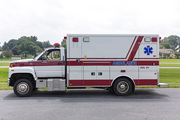 used 2001 type 1 ambulance sales - driver side