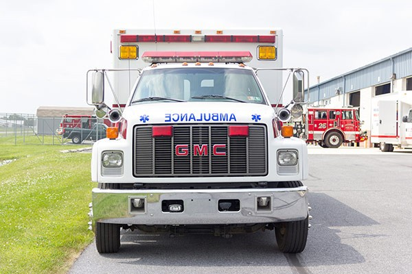 used 2001 type 1 ambulance sales - front