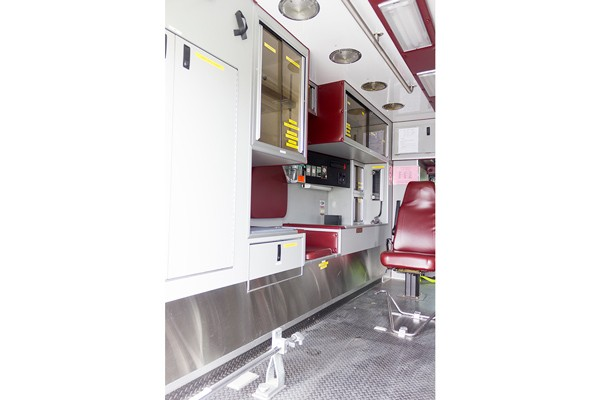 used 2001 type 1 ambulance sales - module driver side