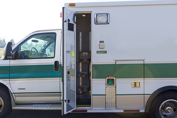 2008 used type 3 ambulance sales - oxygen compartment
