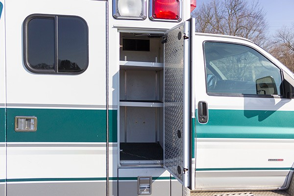 2008 used type 3 ambulance sales - exterior cabinets