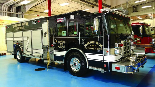 Pierce® Enforcer­™ PUC Rescue Pumper left side view