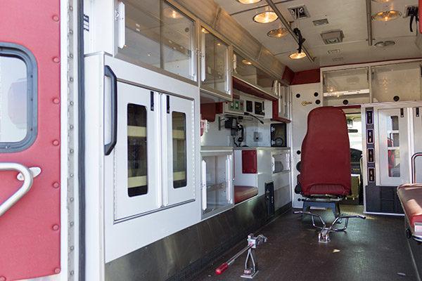 used-ambulance-type-iii-Braun-051