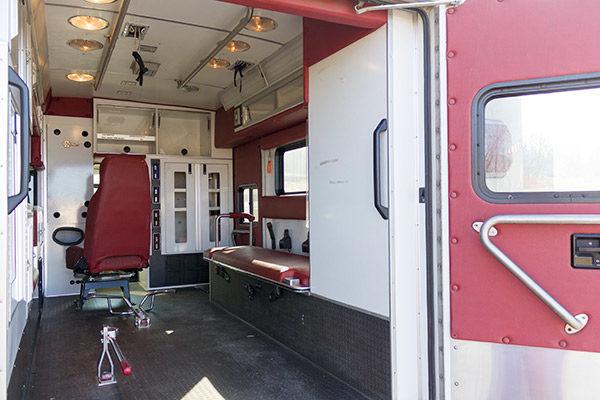 used-ambulance-type-iii-Braun-053