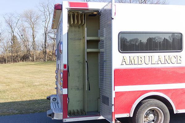 used-ambulance-type-iii-Braun-059