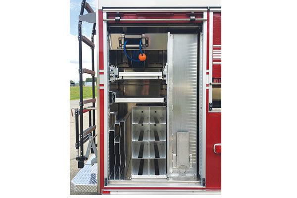 32016-compartment1