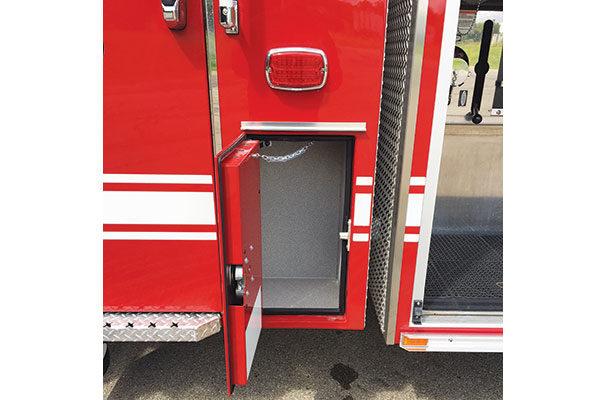 32016-compartment2