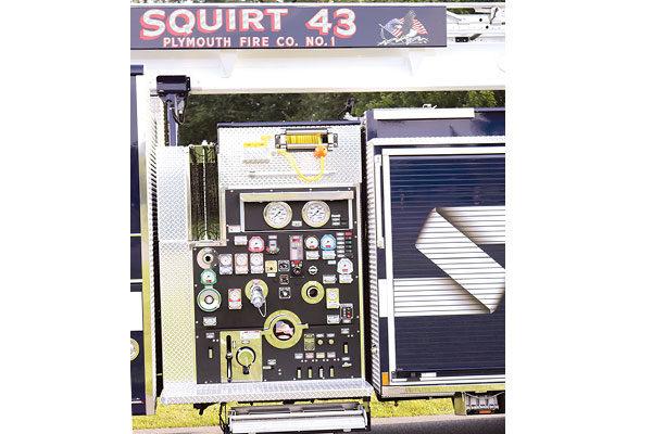 32166-panel1
