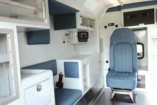 Braun07294-interior-left