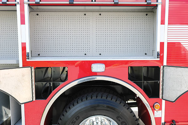 32285-compartment2