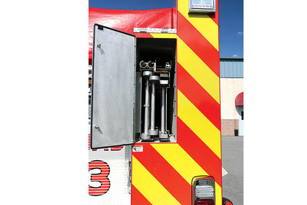 32285-ladder-compartment