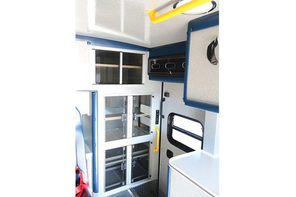 Braun07821-interior-door