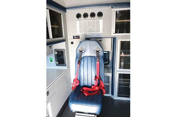Braun07821-seating2