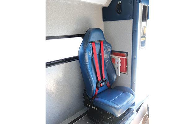 Braun07821-side-seat