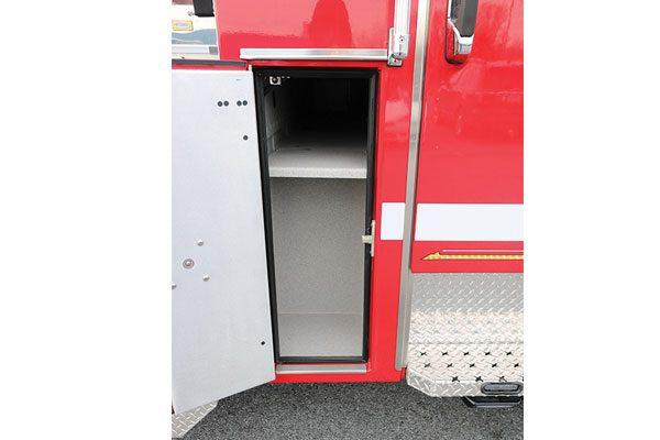 32446-compartment1
