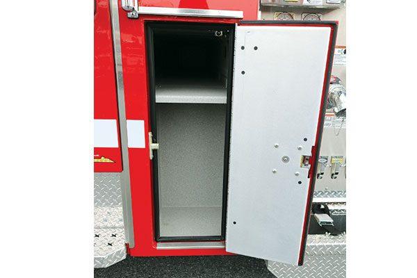 32446-compartment2