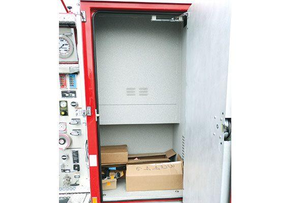 32446-compartment6