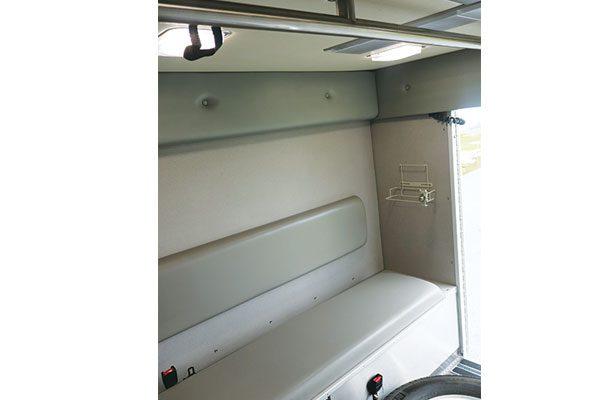FPG11635-interior2