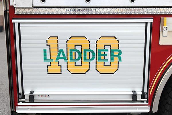 32400-graphic-compartment