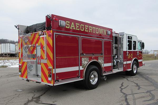 SAEGERTOWN VOL FIRE DEPT - Pierce Enforcer Pumper