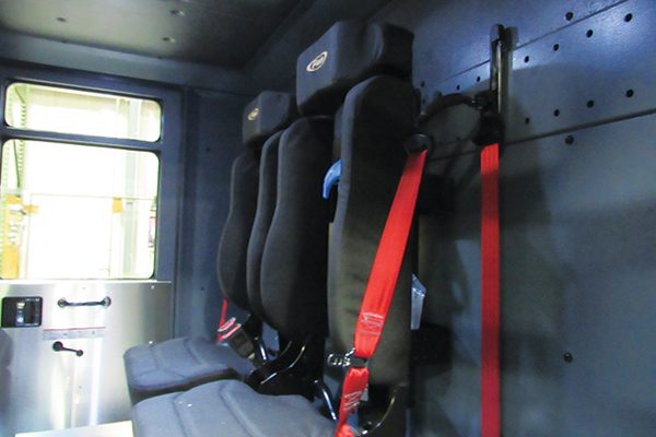32712-seats1