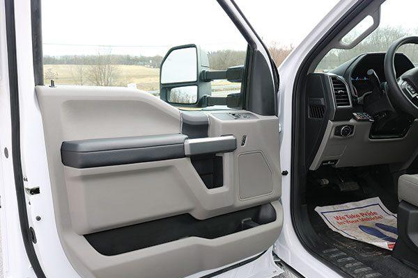 B07914-drivers-door