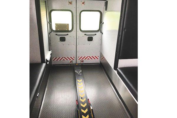 Braun07705-interior1