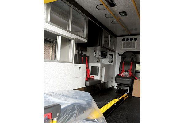b07687-interior4
